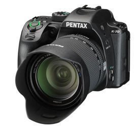 Lustrzanka Pentax K-70 + 18-135 mm WR  + plecak i karta 16GB