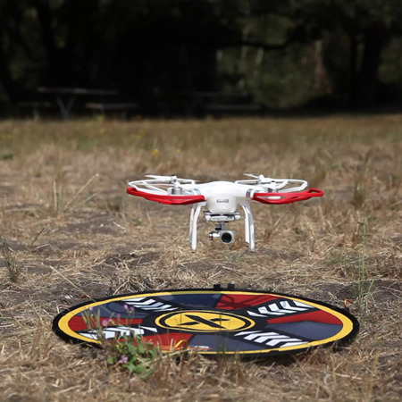 """FlatHat 32"""" (80cm) Drone Pad - Gold Red"""
